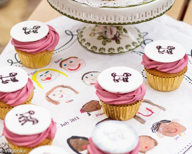 Lemon Vanilla Cupcakes with Mascarpone Frosting and Fondant Medallions