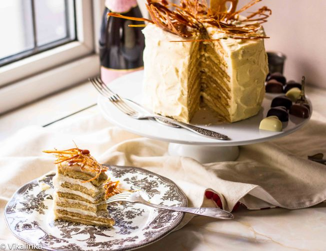 "Honey and Cream Cake ""Medovik"""