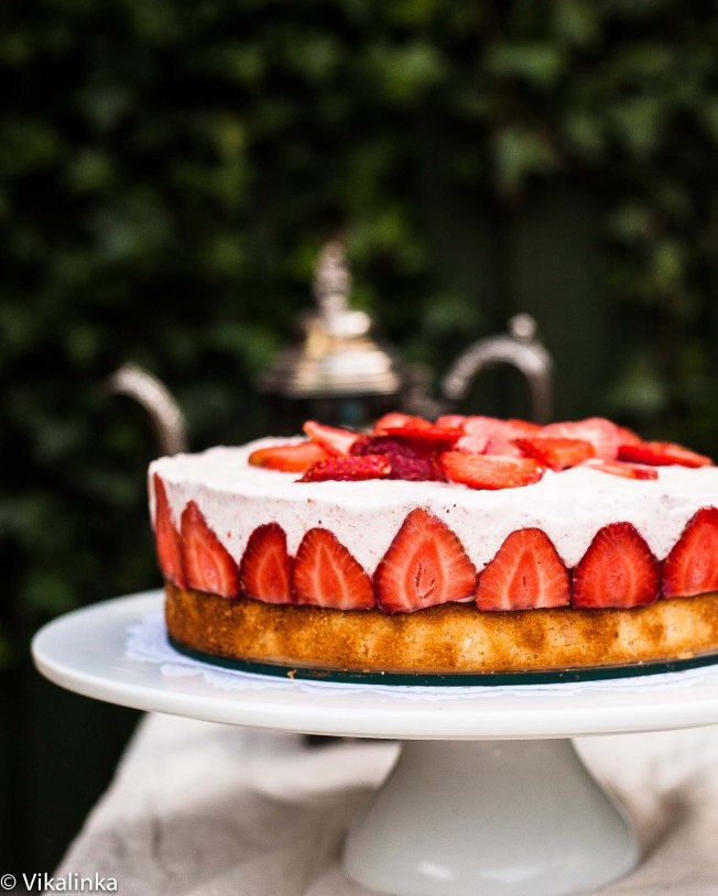 Frasier Torte- Vanilla Sponge and Fresh Strawberries set in Strawberry Mousse