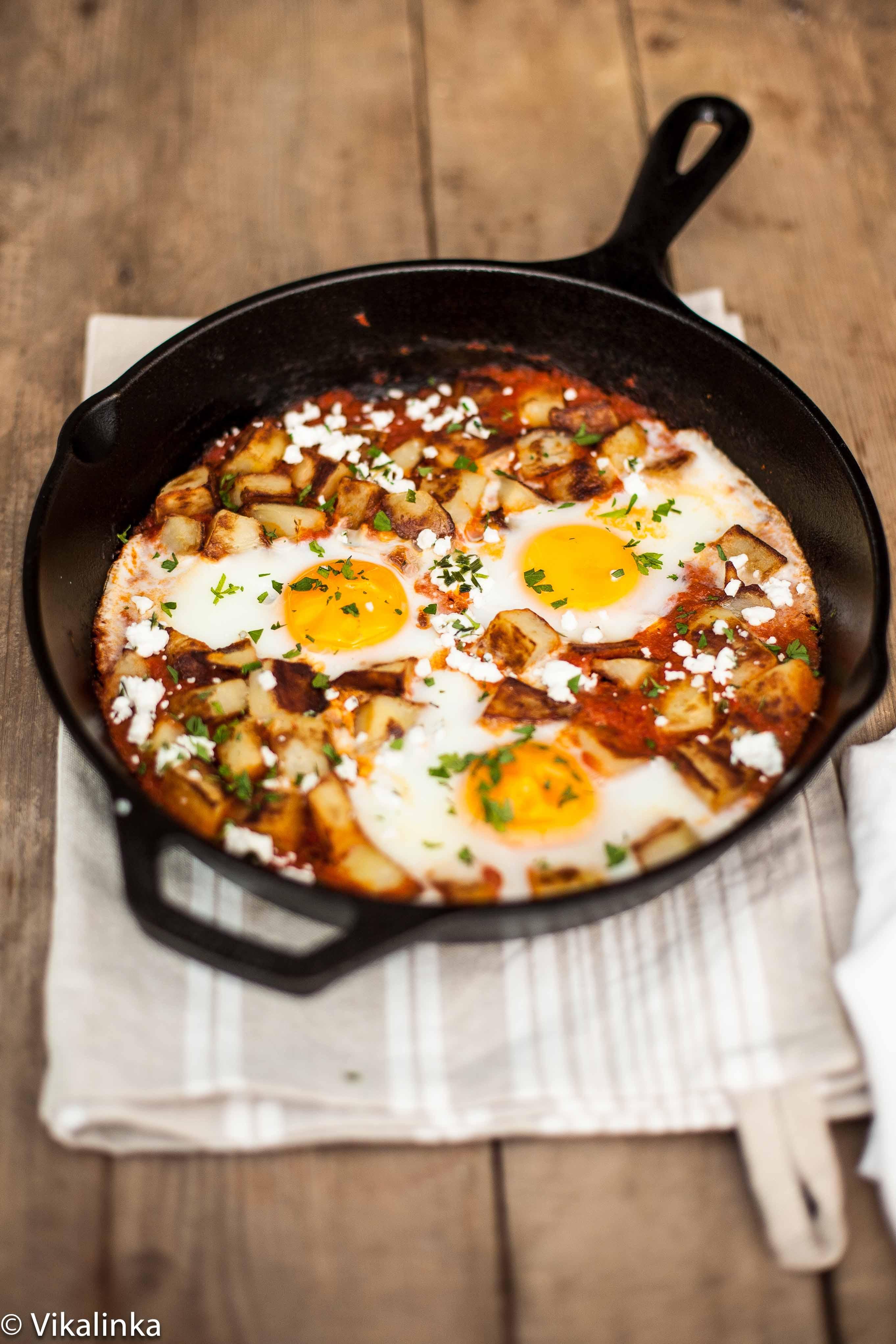 Spanish Hash {Patatas Bravas+Eggs} - Vikalinka