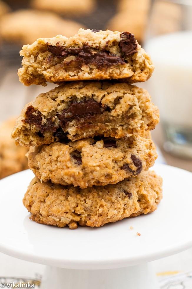 Cherry and Dark Chocolate Granola Cookies